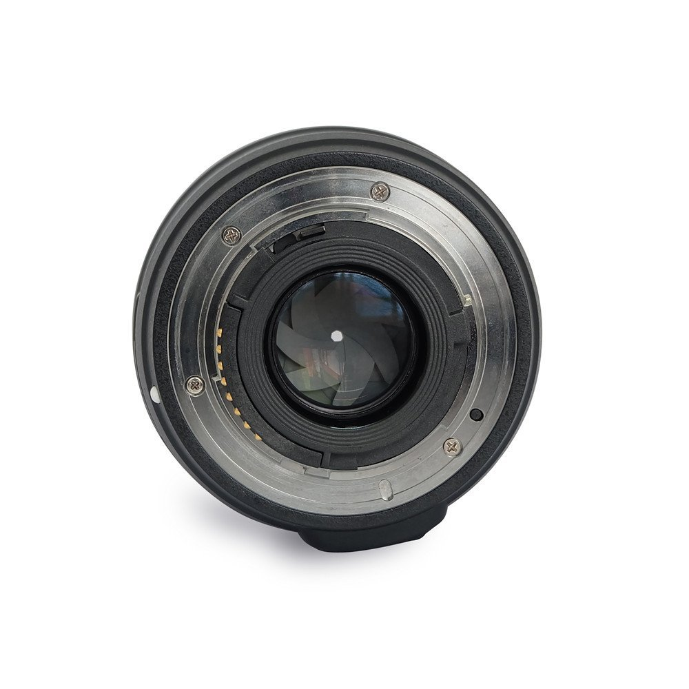 Amazon product image showing the internals and aperture of the yongnuo 35mm lens for nikon