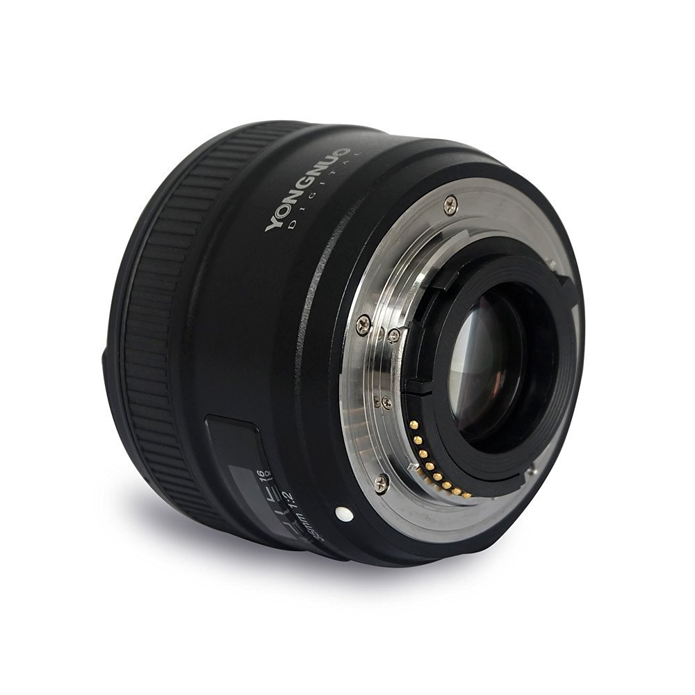 amazon product image showing the lens mount of the yongnuo 35mm f2